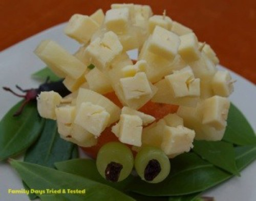 cheese and pineapple hedgehog