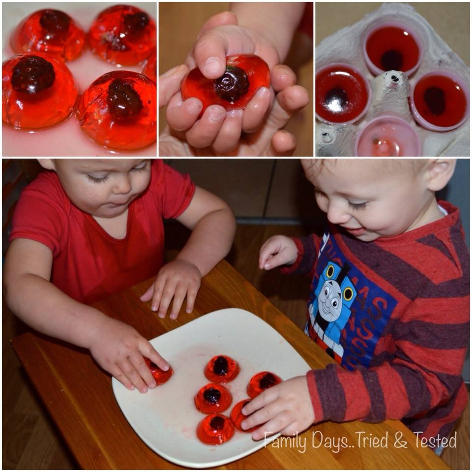 Halloween for Toddlers - Jelly Eyeballs