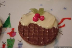 Christmas Pudding Biscuit Decorating - school fundraising ideas