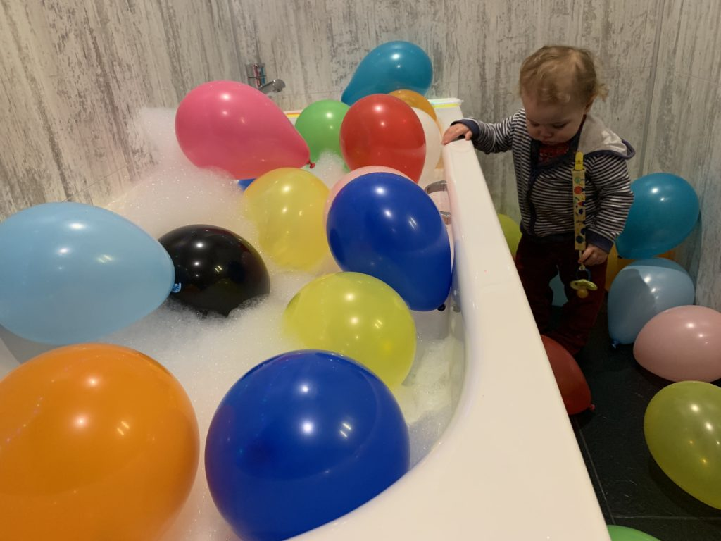 Balloon And Glow Themed Bath